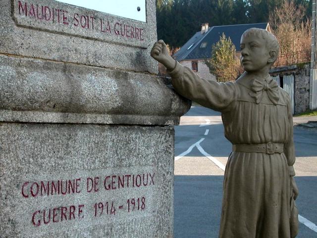 monument_aux_morts_pacifistes_de_gentioux
